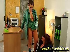 Office fetish paar nat