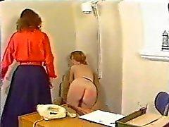 Spanking in de Office