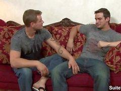 Seksuaalinen tatuoidut homoja Phenix Pyhän sekä Trentin Dieselin nuole sen mulkut
