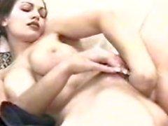 Aria Giovanni piscia e masturbarsi