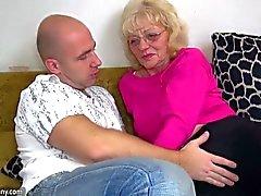 OldNanny de Edad la abuela es muy muy cachonda