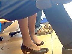 Impartiales Asie Shoeplay tremper des pieds en nylons Hôtesse