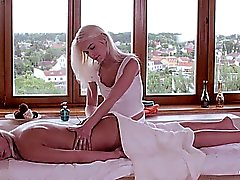 Relaxxxed - masaje de aceite lesbiano orgásmico