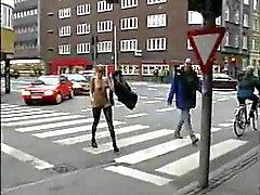 As meninas conseguir fucked pelas ruas