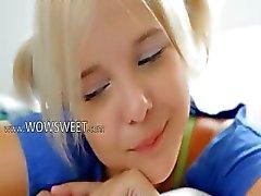 18yo blonde plagen en strippen