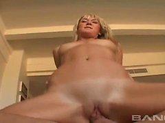 Hottie blondia Ashlynn Brooke sekä Tiffani love sex kohteessa ...