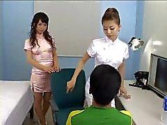 asiatico femdom giapponese strapon