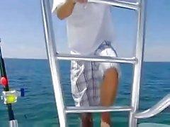 Priya Rai wird auf einem Bootes gefickt