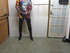 Posiert in meinem Schritt Stiefel Halloween
