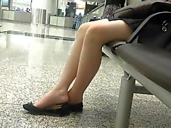 Откровенный эротические Азии 18летняя подростки Ножки Ножки Shoeplay Висячие