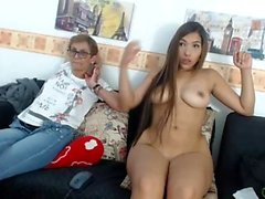 Hot jovem asiática chupando na webcam