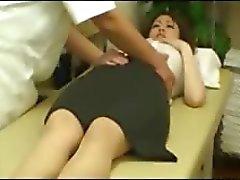 amateur OL verleid door masseur