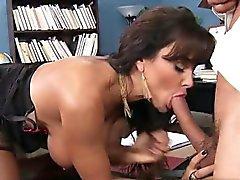 18 year old pussy oral sex orgasm