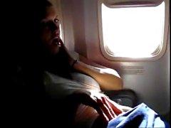 pornthey - hot moglie con suocera si dita sul aeroplano commerciale
