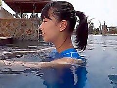 Adolescente de Asia traje de baño azul Pure de no - desnudo