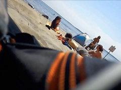 Hot francesi adolescenti completamente nudi sulla spiaggia