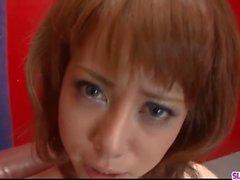 Rui Shiina baisée avec des jouets et fait avaler
