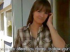 Tsjechische meisje knippert haar grote tieten en neuken