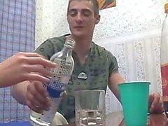 Ubriaco fratello sorella e si scopa mentre i genitori non è casa