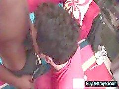 Guy krijgt zijn mond vernietigd door enorme zwarte pik Door Guydestroyed