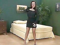Grote tieten en zeer korte rok