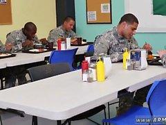 Miespuolinen sotilaallisia itsetyydytys ja lataa armeijan xxx homo sellaisenaan