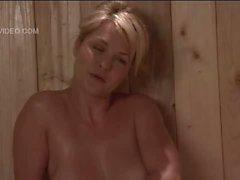 Heather Vandeven nue en la fille seulement un sauna