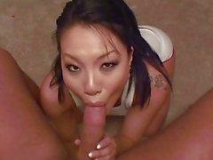 Asa Akira'nın ev yapımı POV oral seks