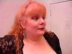 SEXY MOM N109 bbw roodharige volwassen met een jonge man