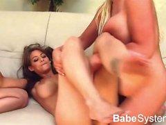 Rebeca Linares genießt ihr Play Date