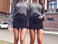 Seksikäs Venäjän kaksoset lyhyet hameet ja korkeat korot
