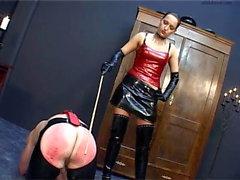Maîtresse prend plaisir