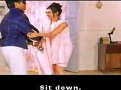 Indiska celeb Kareena Kapoor visar hennes nakna rygg