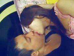 Chinees meisje met haar vriendje