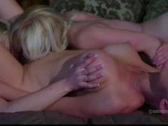 Kayden Kross Carousel On Seksuaaliset ( Kaikissa Softcore Lesbo Katunäkymät )