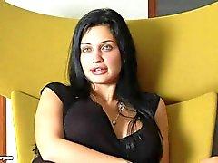 Bombástica deslumbrantes Aletta Ocean dispõe despertando de entrevista