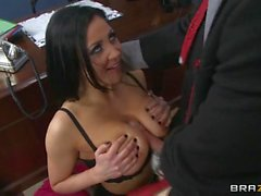 Hot threesome with audrey bitoni and raven