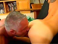 Xxx gay seks yön videoları Bu güzel ve kaslı iri parça