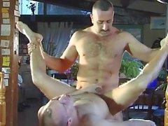 Horny gay dudes fodendo no jardim