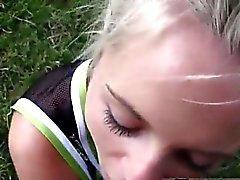 В первый раз для молодежной лесбийского ученицы Vanda подхватили и