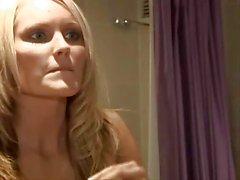 Di Hanna di Hilton dimostra le sue una fantastica tette