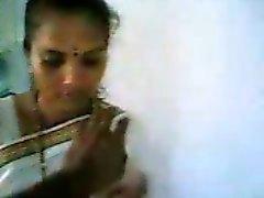 tamil tonen tieten in de keuken