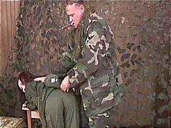 Bdsm op vrouwelijke leger werven