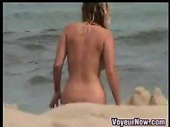 Exhibista At The Beach del nudista