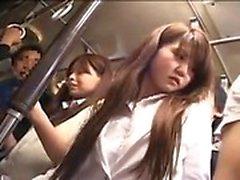 Bella ragazza giapponese ha un tipo che tocca il suo culo da favola