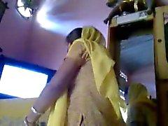 Mijn Rondborstige Indiase Cousin Savita 1