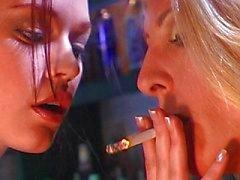 lesbiana rubia morena grandes tetas caucásico