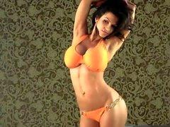 Denise Milani Portakal dışarı Bikini seksi olan - dışı nude