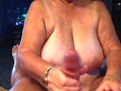 cumshots handjobs stora naturliga bröst cum svälja