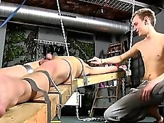 Gay Porn para o menino o penteado fetish reitor fica agradado, steamin